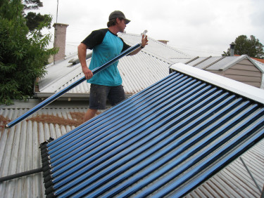 Installing Solar Hot Water Tubes